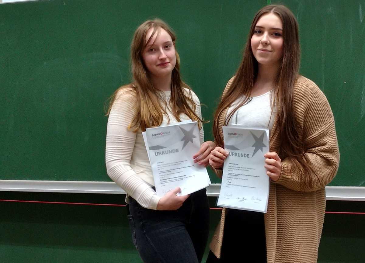 Julia Beck und Aleksandra Aniol (BTA19)